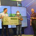 Ganhadores do 14º sorteio do Sua Nota Tem Valor recebem prêmios